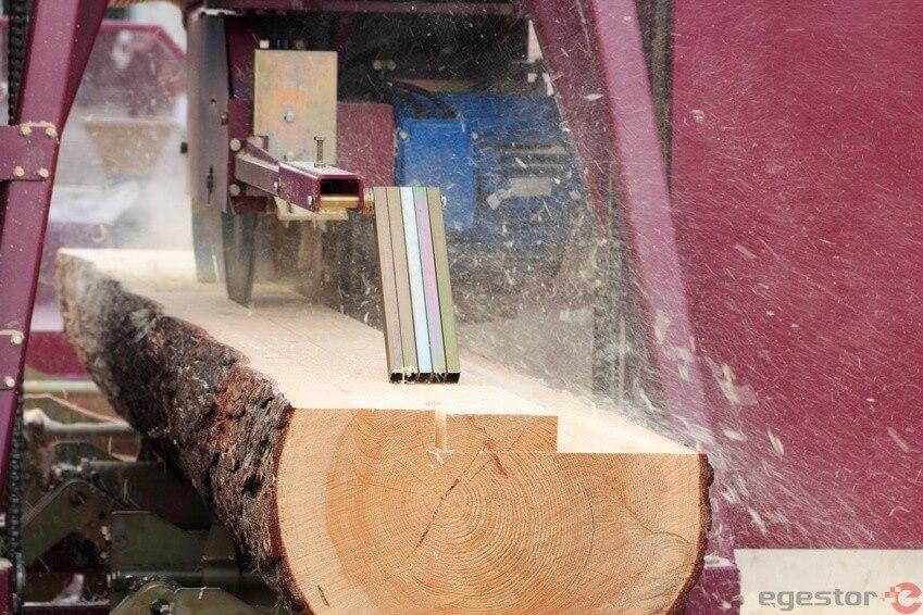cortando tábuas