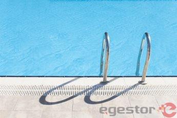 Como montar um Serviço de Manutenção em piscinas?