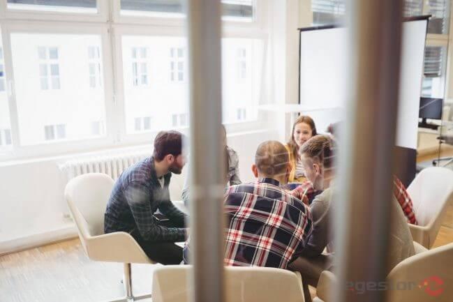 Como definir a cultura organizacional de pequenas e médias empresas?