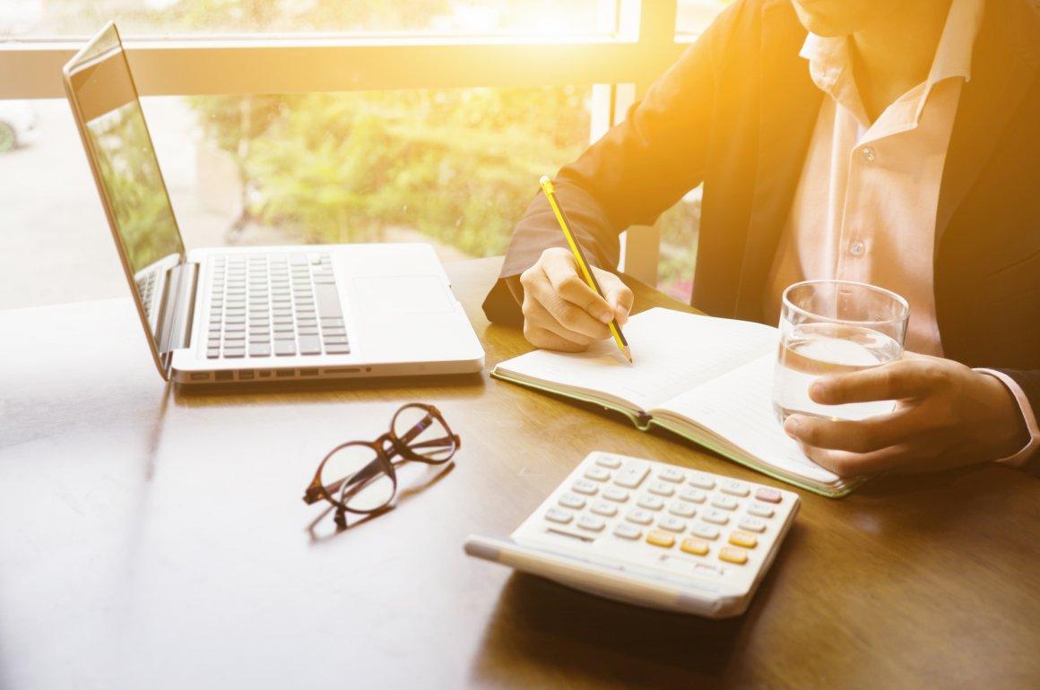 Quais são os impostos que as pequenas empresas precisam pagar?