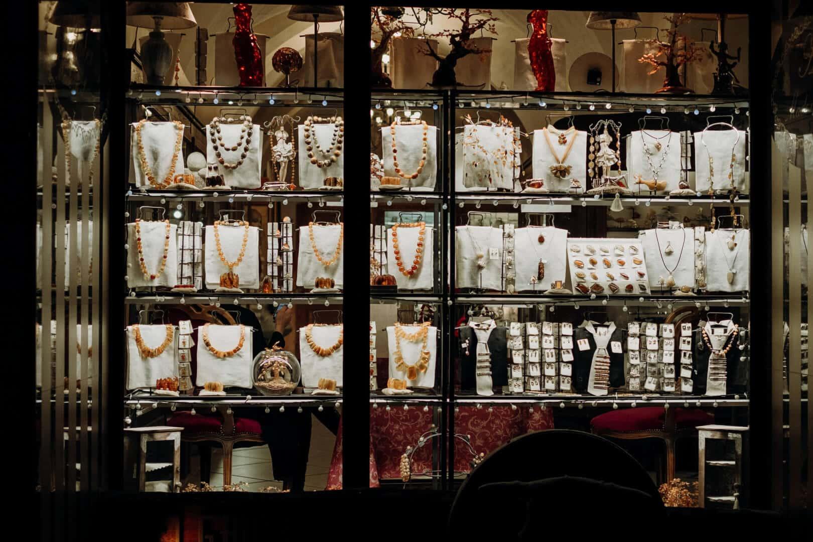 Como montar uma loja de jóias e semijoias? Veja 8 dicas