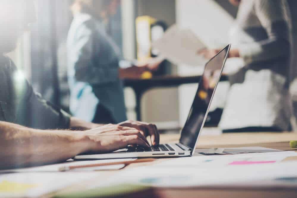Os maiores erros na hora de escolher um sistema online para controle financeiro